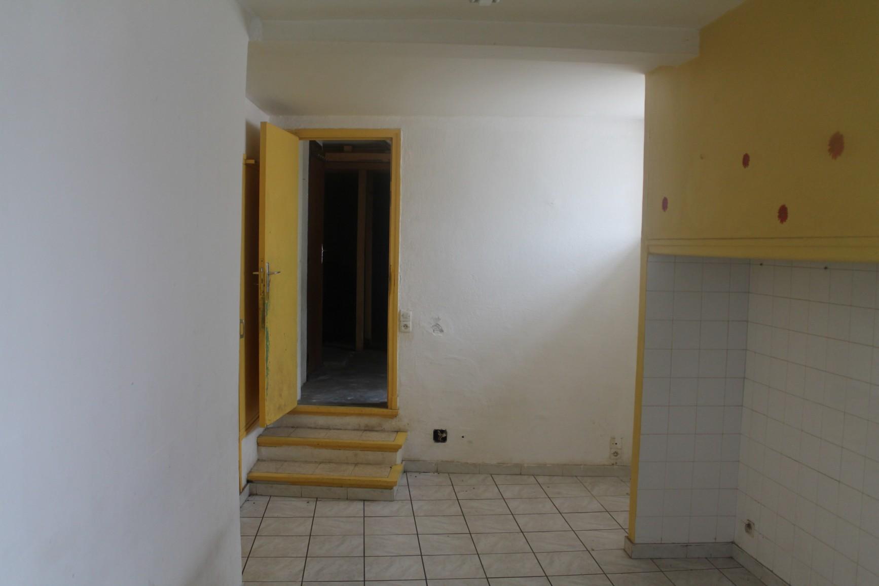 archi2 am nagement interieur d une maison de village. Black Bedroom Furniture Sets. Home Design Ideas